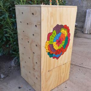 Compostera Pintada